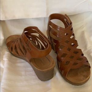 5b96a862b34e Women s Bear Traps Sandals on Poshmark